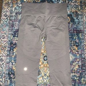 Grey Lulu Lemon workout Legging/ Short/ Calf size